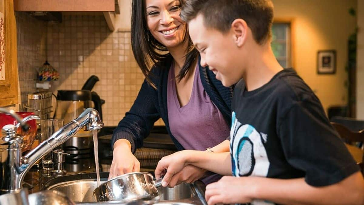 Cooking-Indoor-Games-Can-be-Fun-Too-cooking-with-mom