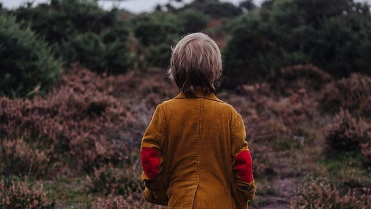 Explore-Nature-play-outdoors-10-year-old-boy